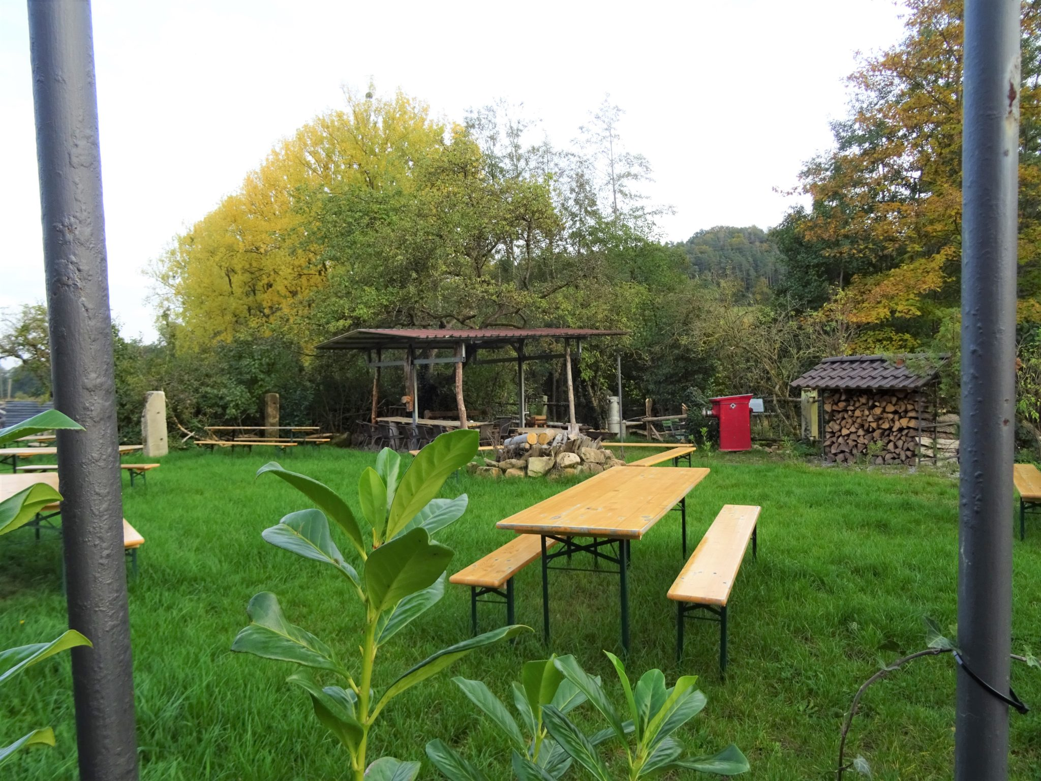 Blick auf das natürliche Ur-Pavillon