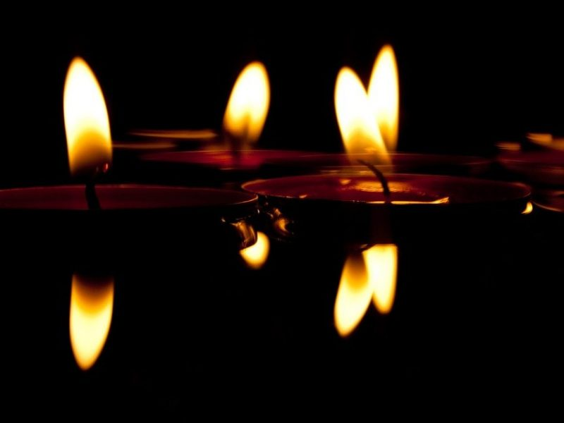 candles-626038_960_720